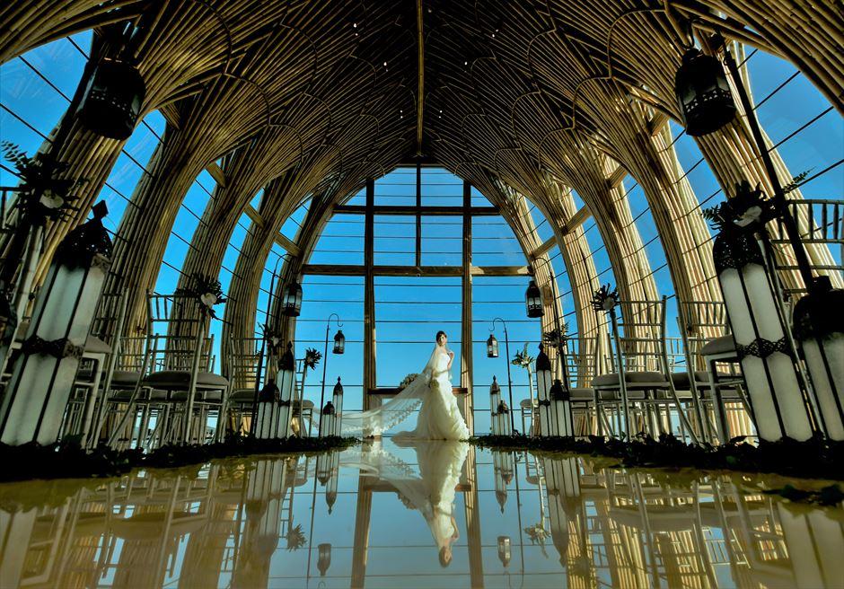 ジ・アプルヴァ・ケンピンスキ・バリ結婚式 オーシャンフロント・チャペルにて挙式後撮影
