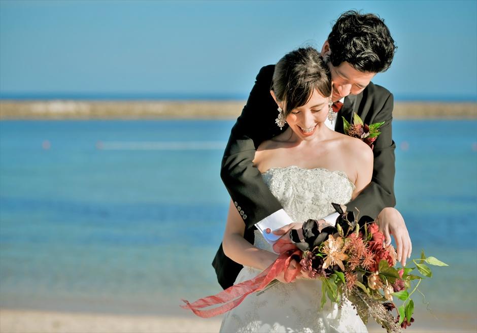 ジ・アプルヴァ・ケンピンスキ・バリ結婚式 チャペル前ビーチにて挙式前撮影