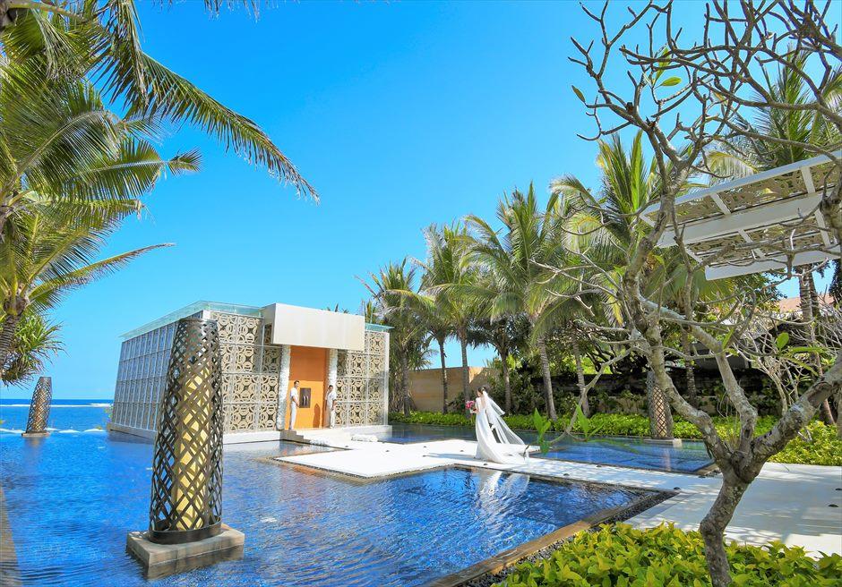 ムリア・バリ・ウェディング バリ島内チャペルで随一に美しい入場シーン