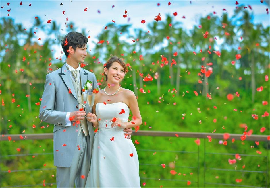 バリ島ウェディング・フォト・オプション/ 生花フラワーシャワー 各色指定可/ ¥10,000~
