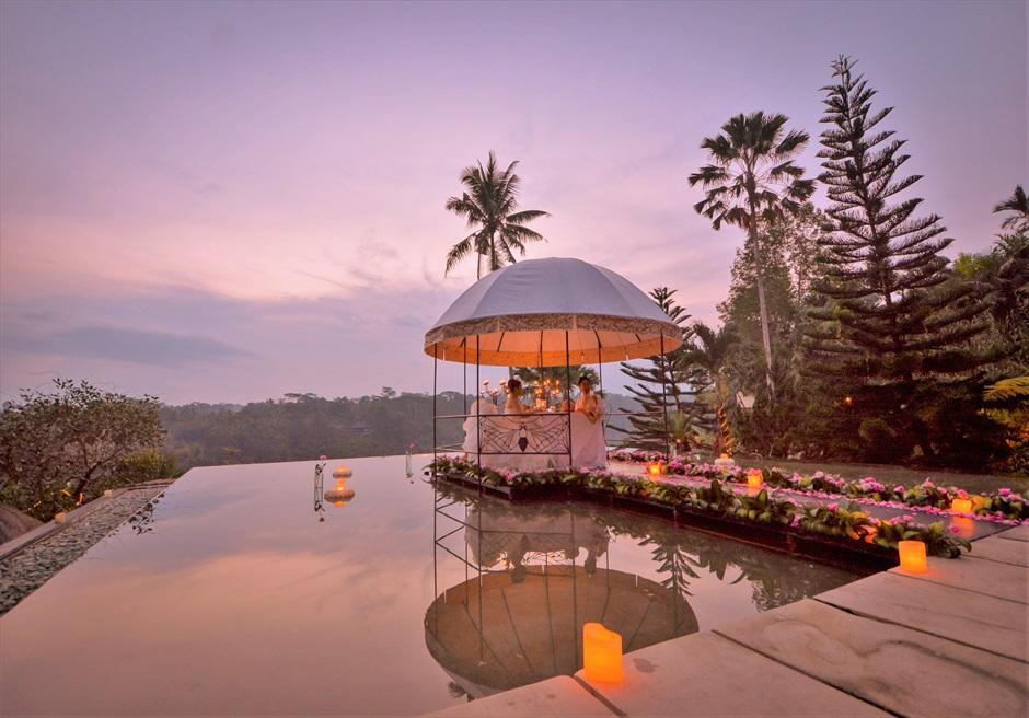 バリ島ウェディング・フォト・オプション/ ロマンティックディナー(各リゾート)/ ホテル、料金はお問い合わせください