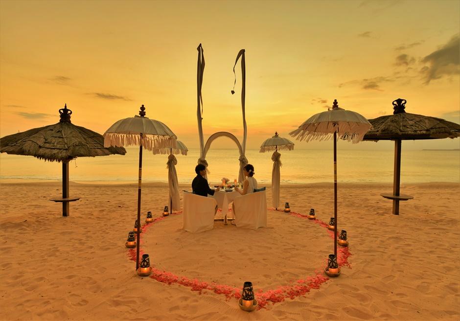 バリ島ウェディング・フォト・オプション/ サンセット・ロマンティック・ディナー/ ベルモンド・ジンバラン(ビーチ)
